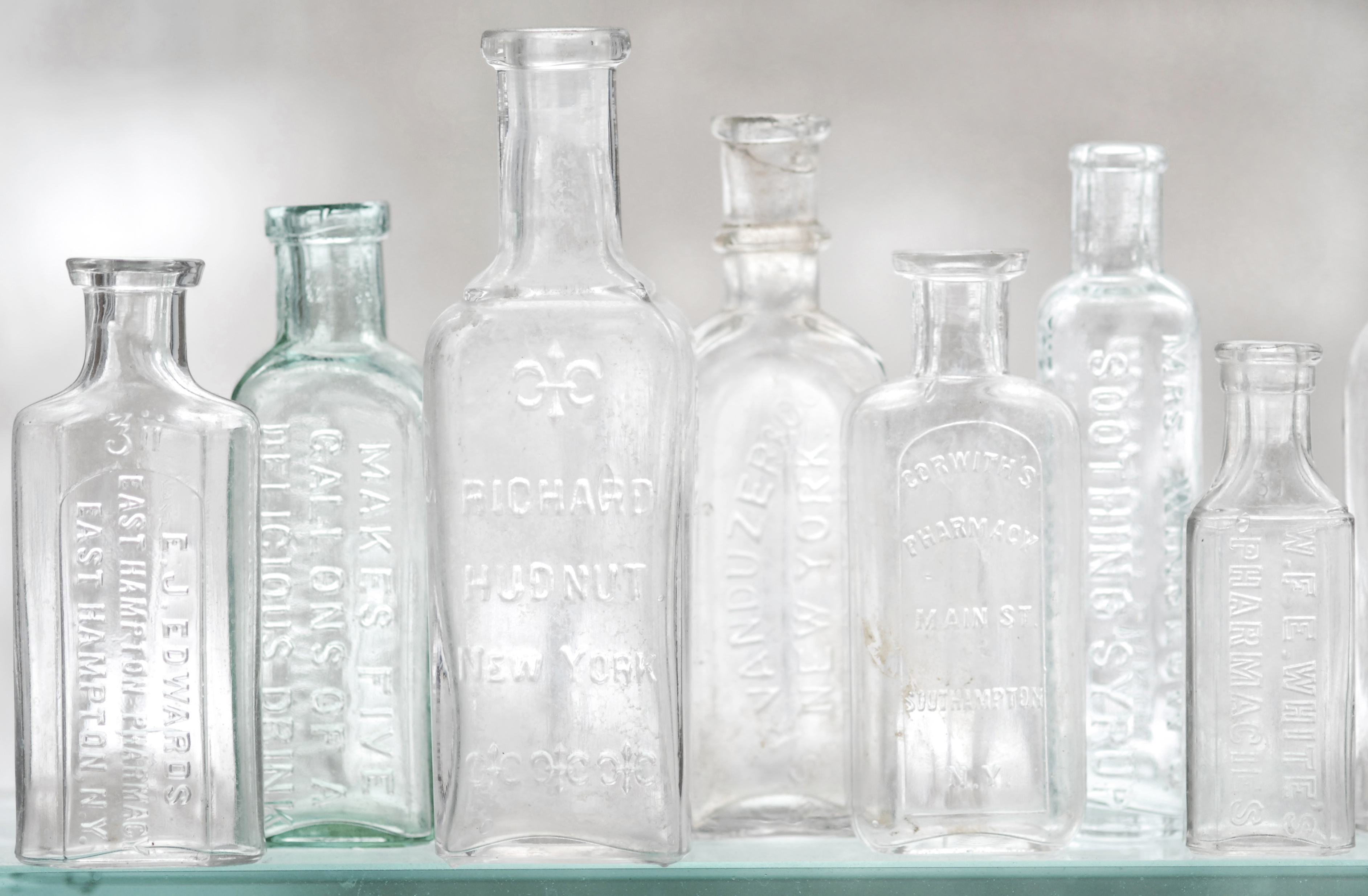 Vintage glass bottles cake ideas and designs for Retro glass bottles